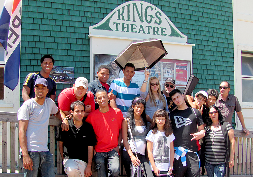 Los Primos 2012_Kings Theatre